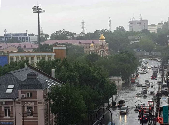 Тайфун во Владивостоке -