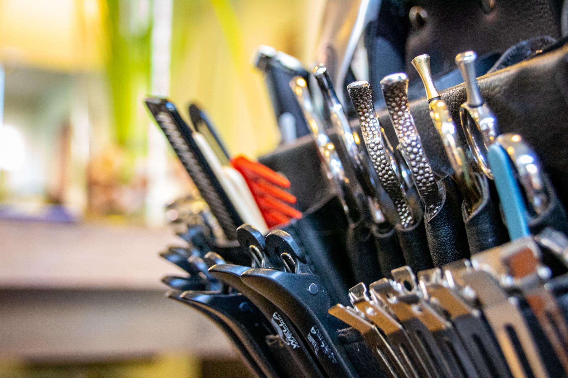 Парикмахерские товары и принадлежности